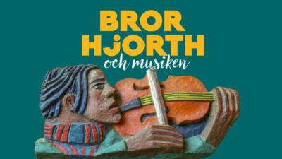 BIld på skulptur med texten om utställningen Bror Hjorth och musiken